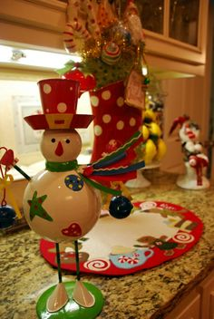 Festive Kitchen, Christmas is my favorite time of the year and the kitchen is my favorite room of my home, so the two combined create a room...