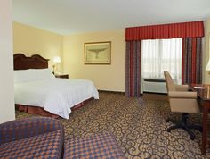 Princeton (NJ) Hampton Inn Princeton United States, North America Located in Plainsboro, Hampton Inn Princeton is a perfect starting point from which to explore Princeton (NJ). The hotel offers a high standard of service and amenities to suit the individual needs of all travelers. Take advantage of the hotel's facilities for disabled guests, Wi-Fi in public areas, laundry service, elevator, pets allowed. Some of the well-appointed guestrooms feature television LCD/plasma scree...