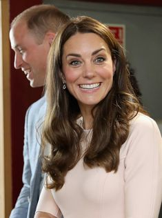 It's hard not to smile at this photo of Kate with a big grin on her face. Kate looked unaware that she was being photographed while visiting the. Duke And Duchess, Duchess Of Cambridge, Duchess Kate, Prince William And Catherine, William Kate, Princesse Kate Middleton, Royal Prince, Belly Laughs, Fair Skin