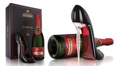 Le Rituel: A Louboutin To Drink From. This crystal shape celebrates the French of drinking champagne from a woman's shoe. Champagne Heels, Champagne France, Champagne Region, Champagne Bottles, Glass Shoes, Red Rose Wedding, Wine Searcher, Trendy Bar, Cinderella Shoes