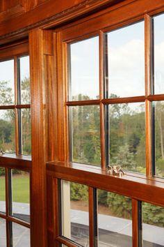 Fenêtre guillotine en acajou - Mahogany Double hung window