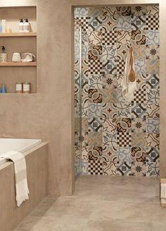 Portugese tegels Best Bathroom Tiles, Bathroom Tile Designs, Bathroom Trends, Bathroom Design Small, Simple Bathroom, Bathroom Layout, Bathroom Interior Design, Bathroom Renovations, Modern Bathroom