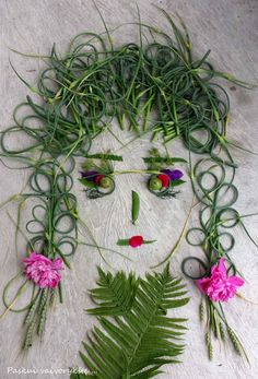 Facethefoliage ... Aunt Jone Autumn Crafts, Nature Crafts, Art Nature, Organic Art, Leaf Crafts, Diy Crafts For Kids, Kids Diy, Backyard For Kids, Holidays With Kids