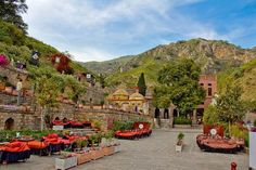 Saidpur Village is one of the best tourist attractions in Islamabad. This Mughal-Era Village is situated on the slopes of the beautiful Margalla Hills. The village has the footprints of various civ… Pakistan Travel, India And Pakistan, Beautiful Places To Visit, Cool Places To Visit, Places Around The World, Around The Worlds, Cheap International Flights, Islamabad Pakistan, The Beautiful Country
