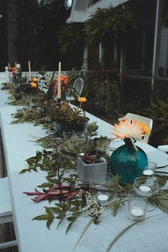 Nature inspired table decor | Photo by Ash Carr