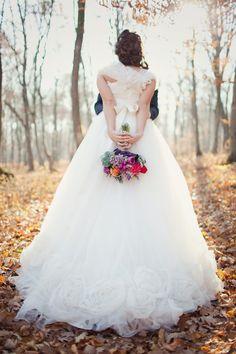 Peuu si Latifa foto nunta bistrita be light Best Wedding Dresses, Bridal Dresses, Flower Girl Dresses, Light Photography, Wedding Photography, Wedding Inspiration, Wedding Ideas, Autumn Wedding, Bridal Style