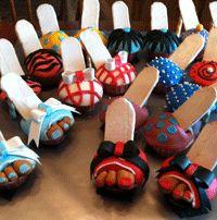Adorable high heel cupcakes. Website by www.CreativeEyeKandi.com
