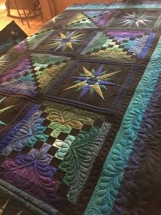 Moonglow quilt - free motion quilting