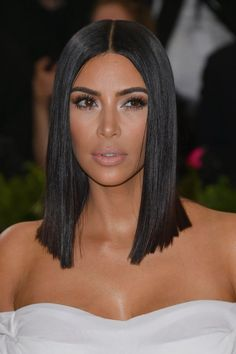 We've rounded up our all time favorite long bob haircut looks. These long lob looks will frame any face shape beautifully and are must-tries for this season. Bob Haircut Black Hair, Lob Haircut, Best Bob Haircuts, Long Bob Hairstyles, Fashion Hairstyles, Bridal Hairstyles, Pretty Hairstyles, Kim Kardashian Cabelo, Kim Kardashian Haircut
