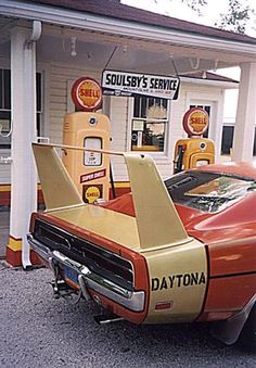 1969 Dodge Daytona and a 1970 Superbird - Information on collecting cars - Legendary Collector Cars Dodge Muscle Cars, Old Muscle Cars, Classic Motors, Classic Cars, 1969 Dodge Charger Daytona, Garage Accessories, Plymouth Cars, Cool Old Cars, Dodge City