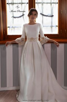 Country Wedding Dresses Indian Good Free of Charge Bridal Robe for petite Thoughts Wedding ceremony gowns arent just the particular realistic method to shield outfits, make-up plus Western Wedding Dresses, Luxury Wedding Dress, Elegant Wedding Dress, Modest Wedding Dresses, Bridal Dresses, Gown Wedding, Trendy Wedding, Wedding Ceremony, Dream Wedding