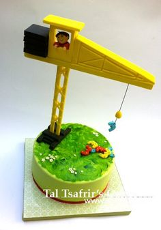 Crane cake by Tal Tsafrir.