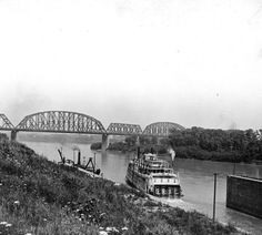 Boat leaving Louisville & Portland Canal, 1921. :: Caufield & Shook Collection