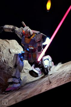 MG 1/100 RX-78-2 Gundam Vs. MS-06J Zaku - Diorama Build w/ LEDs Modeled by Johmny
