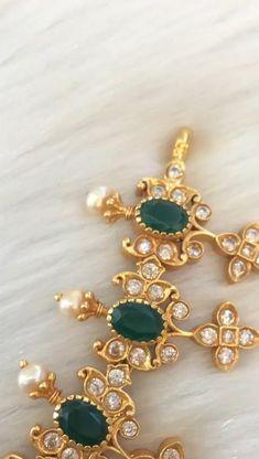 Indian Jewelry Earrings, Fancy Jewellery, Jewelry Design Earrings, Gold Earrings Designs, Gold Jewellery Design, Bridal Jewelry, Jhumki Earrings, Antique Jewellery, Silver Jewellery