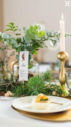 Süßer, äh Verzeihung grüner die Glocken nie klingen und während sich einige Weihnachtsmuffel noch vor dem Fest der Liebe sträuben, zeigen wir euch im dritten Teil aus unserer Serie festliche Tischdeko, mit welchen Tipps und Tricks man selbst mit jeder Menge natürlichen Elementen für einen großen weihnachtlichen Wow-Effekt an einer gedeckten Tafel sorgen kann. Tricks, Table Decorations, Home Decor, Green Christmas, Love, Creative, Decoration Home, Room Decor, Home Interior Design