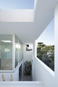 Casa de adentro hacia afuera / Takeshi Hosaka