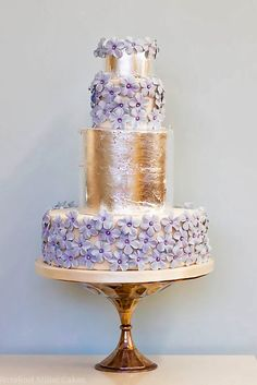 Elegantly Colored Wedding Cakes ❤ See more: http://www.weddingforward.com/colored-wedding-cakes/ #weddings
