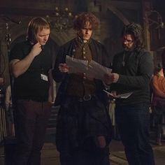 New BTS from @Outlander_Starz IG account of @Heughan, @RonDMoore , and @Gaeliconsultant #Outlander #OutlanderBTS