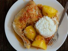 Guiso de Pollo y Papa // Chicken Potato Stew by provechoperu: Some of the best recipes truly are the very simple ones. This recipe combines chicken and potatoes with a flavorful, but simple sauce.