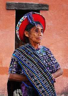 Tz'utujil Maya woman from Santiago Atitlán, Guatemala. Goes with lectura opcional 1 (p. 92).