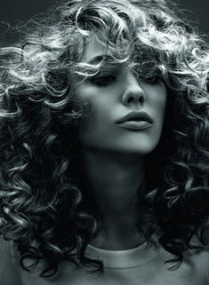 100 hairstyles for naturally curly hair to rock this summer - Hairstyles Trends Square Face Hairstyles, Easy Hairstyles, Love Hair, Big Hair, Long Blonde Curly Hair, Pelo Anime, Short Hair Cuts, Naturally Curly, Hair Inspiration