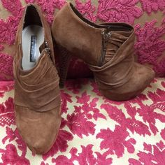 """HALSTON brown suede bootie platform croc heel 9 These are AMAZING!  Leather suede inside zip with 6"""" heel. Only worn a few times. Great fashion statement! H by Halston Shoes Ankle Boots & Booties"""