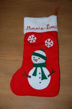 chaussette de Noël bonhomme de neige et flocons en feutrine brodée