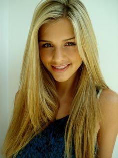 ♥ her hair, gorgeous blonde