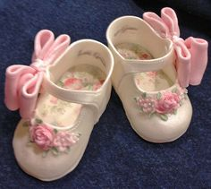 Baby shoes for girls baby shower cake perfect maryjane pattern i could not find a pattern that looked realistic enough for me so i created one i used pastillage but fondant would work as well baby cake created find fondant girls looked maryjane pasti Shoe Cakes, Cupcake Cakes, Car Cakes, Fondant Baby Shoes, Fondant Bow, Fondant Cakes, Baby Shoes Tutorial, Cute Baby Shoes, Fondant Decorations