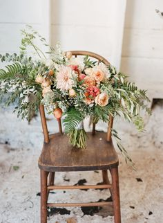 Absolutely gorgeous bouquet: http://www.stylemepretty.com/little-black-book-blog/2015/04/22/peach-rustic-boho-wedding-inspiration/ | Photography: Maraluce - http://www.maraluce.com/