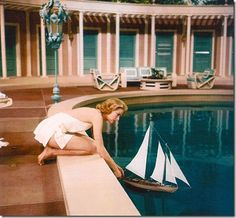 @High Society-@grace kelly in the prettiest pool scene ever