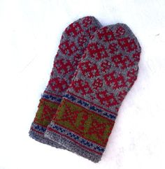 Hand knitted warm wool mittens, knitting latvian mittens, knit ethnic gloves, patterned gray red mitts, colorfull arm warmers, hand warmers by peonijahandmadeshop on Etsy