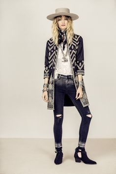 Women's Winter Fashion - Unity Fashion Look Hippie Chic, Hippie Style, My Style, Bohemian Mode, Bohemian Style, Boho Chic, Bohemian Fashion, Boho Outfits, Fashion Outfits