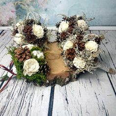 Rustic bouquets with pine cones sola flowers, dried flowers, pearl bouquet Winter Wedding Flowers, Autumn Wedding, Christmas Wedding, Rustic Wedding, Wedding Simple, Winter Weddings, Sola Flowers, Dried Flowers, Winter Wedding Inspiration