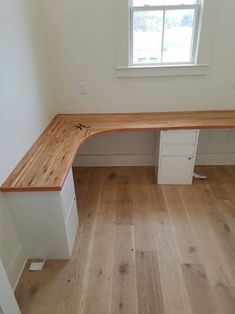 Butcher block desk top made from left over hardwood flooring. - - Butcher block desk top made from left over hardwood flooring. Home Office Space, Home Office Design, Home Office Decor, Home Interior Design, Home Decor, Bedroom Office, Small Office, Butcher Block Desk Top, Butcher Blocks