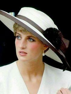 Diana, Princess of Wales Princess Diana Fashion, Princess Diana Family, Royal Princess, Princess Of Wales, Disney Princess, Lorde, Prinz William, Prinz Harry, Lady Diana Spencer