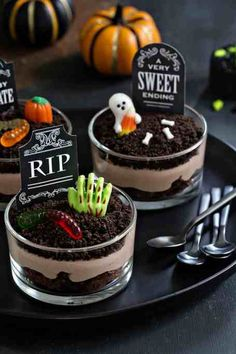 Halloween Brownies, Halloween Torte, Bolo Halloween, Postres Halloween, Dessert Halloween, Halloween Baking, Halloween Dinner, Halloween Cupcakes, Halloween Food For Party