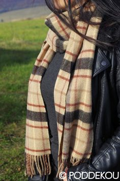 ŠÁL Z JAHŇACEJ VLNY KÁRO – SVETLOHNEDÝ | PODDEKOU Wool Scarf, Plaid Scarf, Scarves, Fashion, Scarfs, Moda, Fashion Styles, Fashion Illustrations