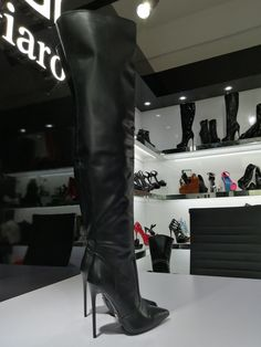 Thigh high elegant Italian style boots with heels, no platform, red lining and full length zipper in BLACK MATTE. Black Thigh Boots, Thigh High Boots Heels, Hot High Heels, Stiletto Boots, Sexy Stiefel, Botas Sexy, High Leather Boots, Designer Boots, Sexy Boots