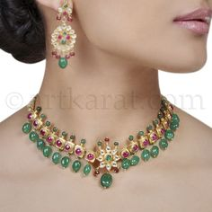 Black And Gold Jewelry Product Royal Jewelry, Emerald Jewelry, Gold Jewelry, Beaded Jewelry, Jewelery, Antic Jewellery, Gold Jewellery Design, India Jewelry, Light Weight Gold Jewellery