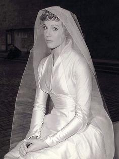 Inspiration Iconic Brides And Divas On Pinterest 1930s Wedding Grace