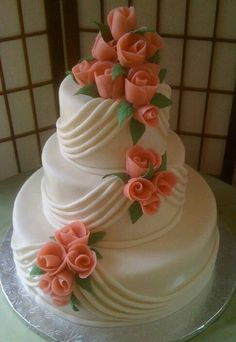 Simple and gorgeous wedding cake design