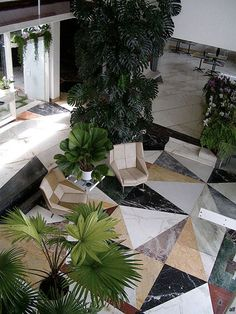Villa Planchart. Caracas, Venezuela, 1956. Designed by Gio Ponti. Loving the extravagant use of plants.Marble tile