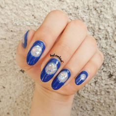 Blue minimalist nail art byLovebird   #nails #nailart #notd #minimalistnails #minimalist #blue #bluenails #royalblue #nailinspo #nailinspiration