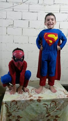 Fantasia homem aranha e super Homem