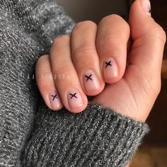I loooove this✖️✖️✖️ Classic manicure + semi permanent + nail art Time - Semi Permanent, Matte Nails, Manicure And Pedicure, Nail Art, Paris, Classic, Instagram, Derby, Montmartre Paris