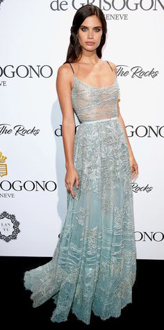 Look of the Day - Sara Sampaio stunned at the DeGrisogono 'Love On The Rocks' Party in a shimmering metallic dress with sheer bodice. She kept it light and airy with just a diamond ring and a perfectly matching belt. Stunning Dresses, Sexy Dresses, Nice Dresses, Prom Dresses, Short Dresses, Club Dresses, Sara Sampaio, Vestidos Sexy, Light Blue Dresses