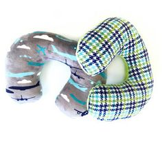 Vanessa from @craftygemini Gemini has an easy tutorial for a #Cuddle travel neck pillow. What a great gift idea and DIY sewing project! She used Airplane Cuddle bit.ly/1M6RxzC and Houndscheck www.shannonfabric... Find these fabrics at @missouriquiltco  - and other shops too #travelneckpillow