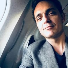 Pedro Alonso Spanish Actor (La Casa De Papel, Gran Hotel,…) Pedro Alonso Spanish Actor (The Paper House, Grand Hotel, …) Netflix Series, Series Movies, Berlin Quotes, Beatiful People, Alonso, Screwed Up, Favorite Person, Celebrity Crush, Comedians